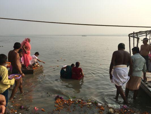 Baignade dans le Gange