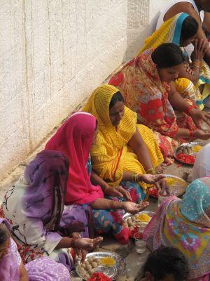 sur les gath de Varanasi